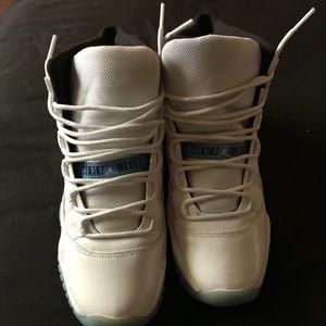 Jordan retro 11s